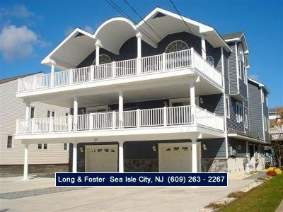 Photo for Beach Block Townhome with BONUS ROOM!! ONLY FOUR HOUSES FROM THE BEACH!!