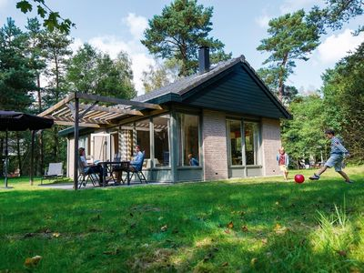 Photo for Luxury 4-person bungalow in the holiday park Landal Rabbit Hill - in the woods/woodland setting