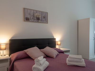 Photo for Delightful one bedroom apartment near the Coloseo