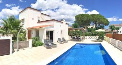 Photo for House Empuriabrava for 4 - 5 people with 2 bedrooms - Holiday house