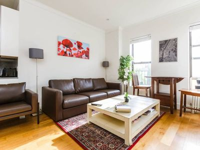 Photo for Lovely & Large 3Bed-2Bath East Village Flat