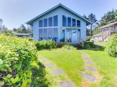 Photo for Oceanfront home w/ lighthouse views, vintage furnishings & private guest house!