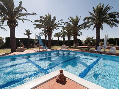 Photo for Villa Savanna: A bright villa situated at a short distance from the beach, with Free WI-FI.
