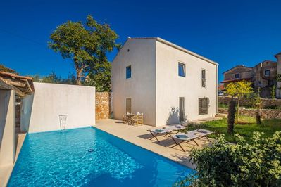 Rustic sunny Holiday house - terrace with swimming pool, spacious garden, private parking - 2