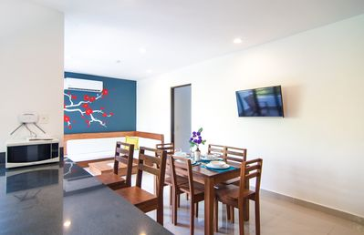 Photo for Charming one or two  bedroom condo + ROOF TOP Jacuzzi