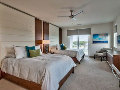 Photo for The Pointe 136 - Booking spring vacays, now!