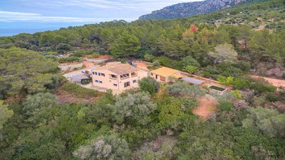Photo for Villa with sea and mountain views in the Sierra de Tramuntana