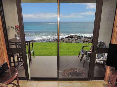 Spacious Oceanfront Lanai -- steps to the beach, surfing and snorkeling!