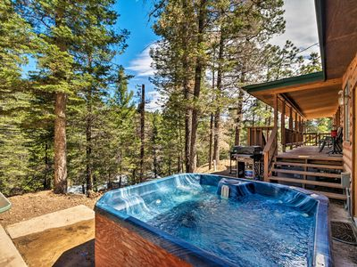 Photo for Ruidoso Cabin w/ Hot Tub-3 Mi to Links Golf Course