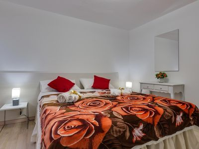 Photo for CENTRAL VENICE SAN MARCO FOR 7 PEOPLE - WIFI - A. C. -