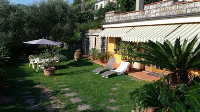 Photo for Apartment in a cottage with garden located ten minutes from Lerici