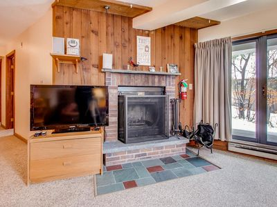 Photo for Cozy 2 BDRM Condo with Patio, pool, hot tub, covered parking. Walk to slopes!