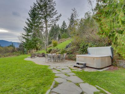 Photo for A private hot tub, stone patio & firepit with stunning Columbia Gorge views!