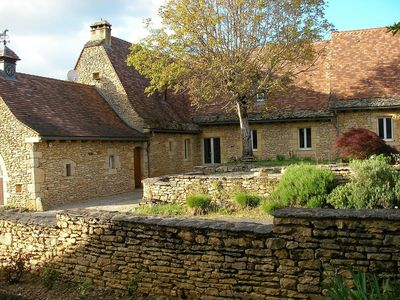Photo for Cottage of charm and character, 220 m2, quiet, between Sarlat and Lascaux.