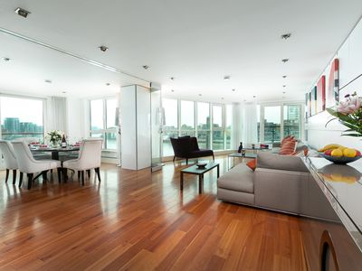 Photo for New! Amazing river views 3bed 3bath Penthouse - Superfast wi-fi and 1m to Tube