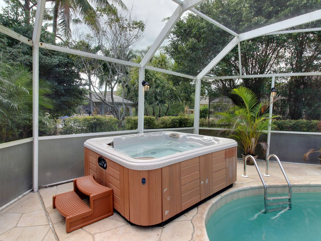 Waterfront home w private pool hot tub dock close to for Florida hot tubs