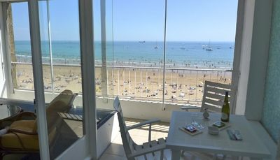 Photo for Apartment, directly in the Centre of town, facing the sea
