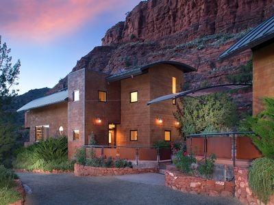 Photo for Sedona Cliff House - Clean & Contemporary