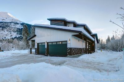 The Tanner House Guest Suite with private entry located in Girdwood, AK!