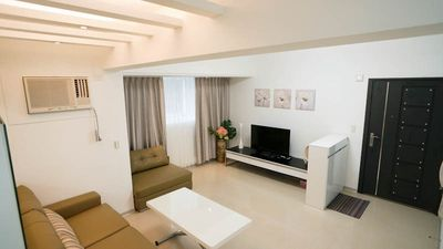 Photo for 3R+4Bed+2Bath/ HUGE/Elevator/Dongmen MTR 1mins/ Yongkang area /s8-10