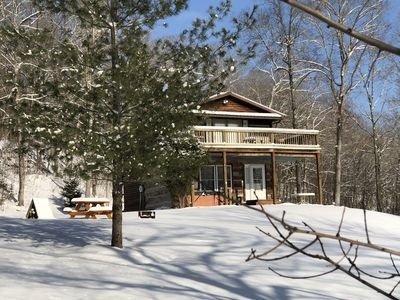 Rustic Log Cabin next to the Hoosier National Forest in the Ohio River Valley