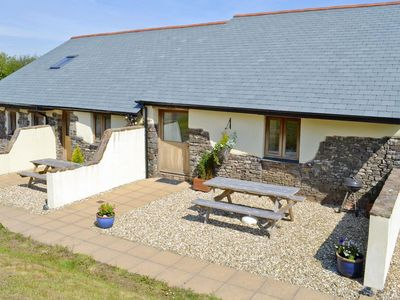 Photo for 1 bedroom property in Hartland. Pet friendly.