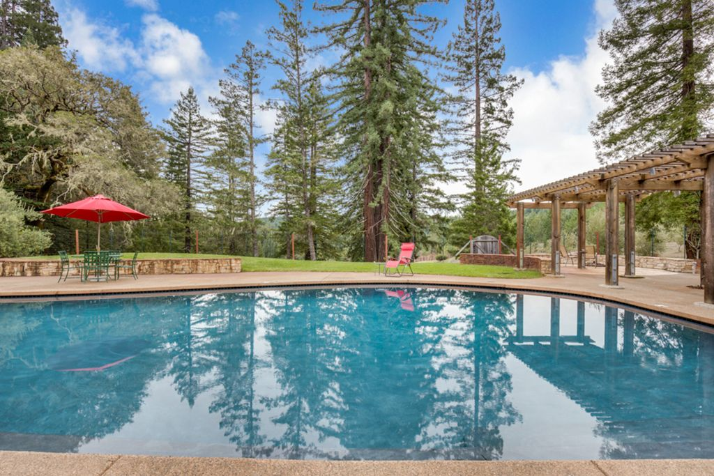 Anderson Valley Ranch Redwoods Views Pool Spa Vineyards Boonville