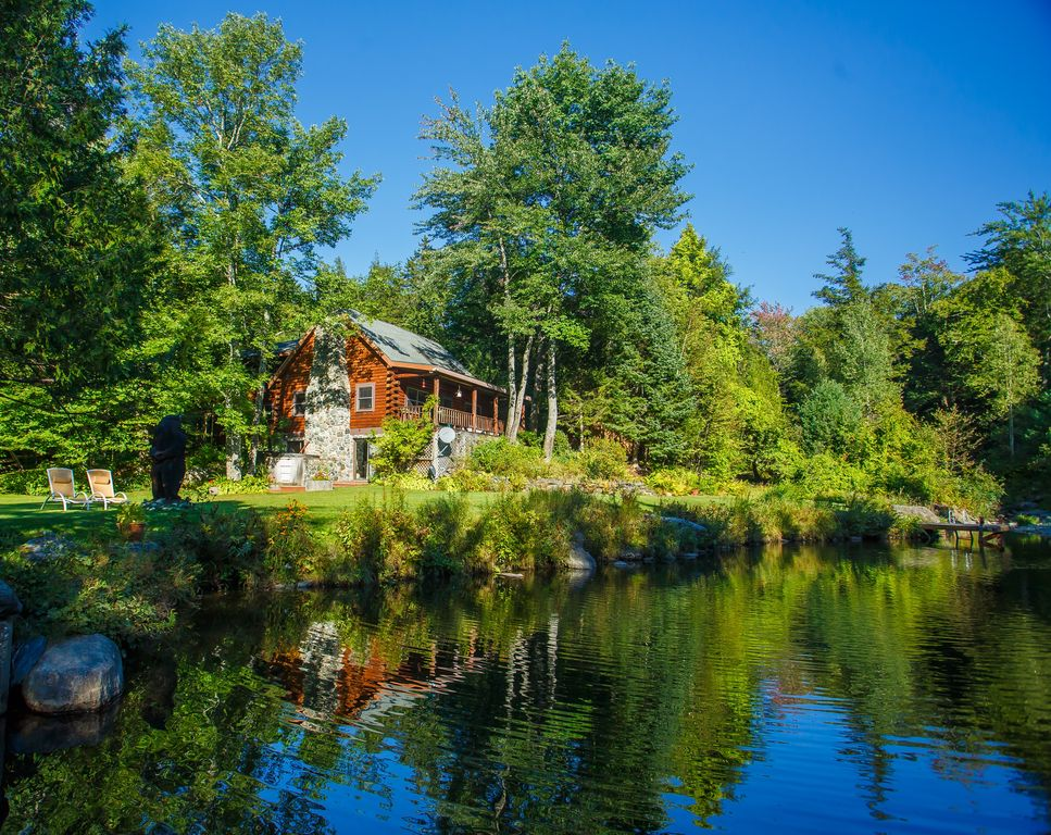 The private fairytale cabin of your dreams in stowe for Vermont mountain cabins