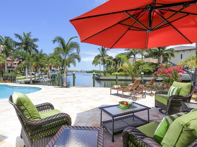 WATERFRONT, SPECTACULAR VIEWS MINUTES TO SIESTA BEACH!