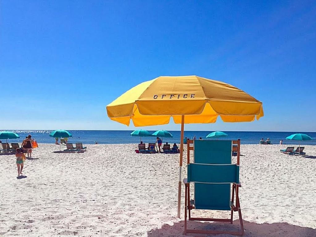 2 beach chairs on the beach - Front Row Beach Service 2 Chaise Loungers Umbrella Each Day Mar Mid October