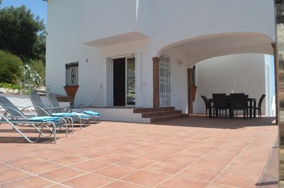 Spacious lounging and dining terrace