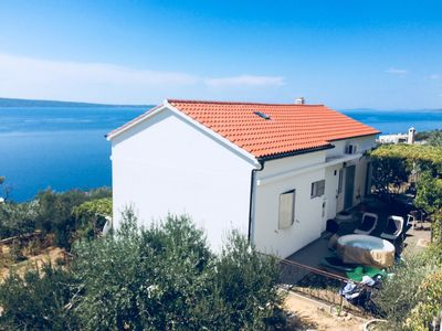 Photo for 3 bedrooms, free parking, jacuzzi,quiet and safe area,stunning view
