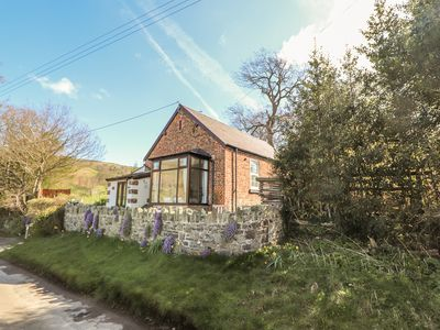 Photo for CASTELL CAPEL, family friendly, with open fire in Bodfari, Ref 975692