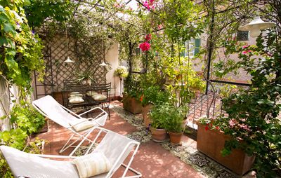 Photo for Trastevere Large Luxury Artist Apartment with Terrace and A / C up to 8 +1 persons