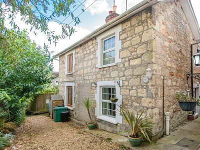 Photo for 2 bedroom Cottage in Shanklin - IC107