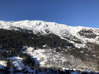 Photo for Beautiful renovated apartment on the top floor in Meribel, near a track
