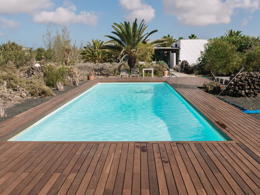 Big modern house 400 square meters heated pool 12x4m garden 5000m2 la oliva