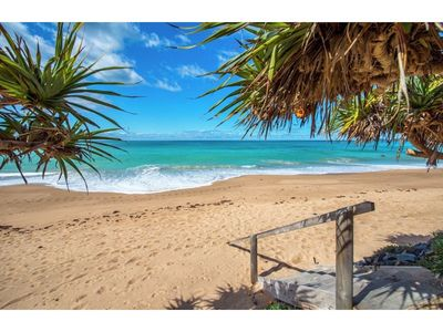 Photo for Fin's at Sapphire Beach 'Dolphin' apartment - absolute beachfront!