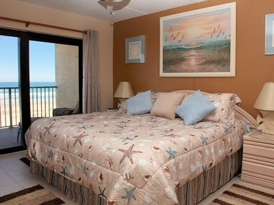 Photo for Direct Oceanfront, 2/2, No-Drive Beach, DISCOUNTS for 7 or more Nights or 28+