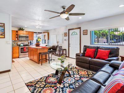 GREAT LOCATION, 3BR/2.5BD Private House
