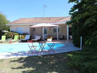 Photo for The tong water: comfortable and quiet Villa with heated pool and garden