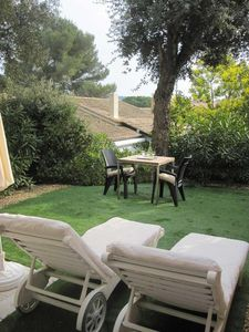 Photo for St Tropez, La Croix Valmer, Apt 2*sleeps 1-4. Garden, terrace, pool, sandy beach