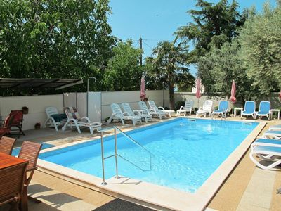 Photo for Nice apartment for 5 guests with pool, A/C, WIFI, TV, balcony, pets allowed and parking