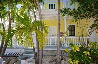 Photo for Cozy tropical suite w/ patio and half a mile from the beach - dog OK