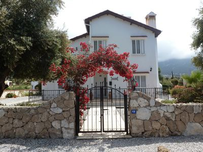 Photo for Comfortable villa with private pool and stunning mountain views
