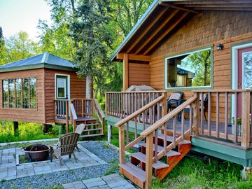 Beautiful Cabin with Mountain & Lake View/ a Perfect Couples Getaway