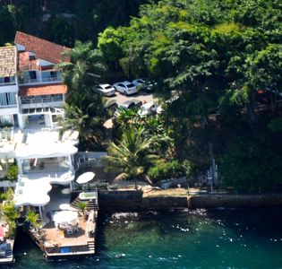 Photo for Cozy on the sea, Angra dos Reis, Portogalo, 4 suites, sleeps 8 to 10.