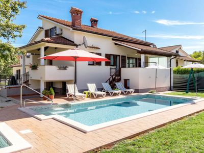 Photo for Vacation home Poje (MVN251) in Motovun - 8 persons, 4 bedrooms