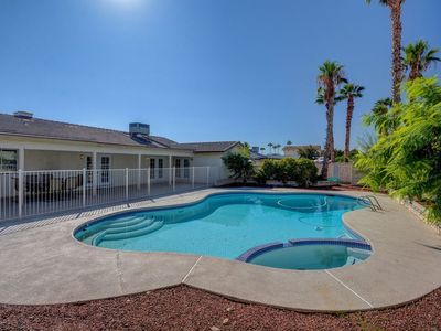 Photo for Luxurious 4BR House with Large Pool! 8min to Strip