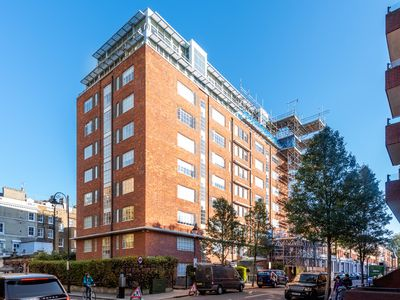 Photo for Modern 2-Bed Apt, Gym & Sauna, South Ken, RH